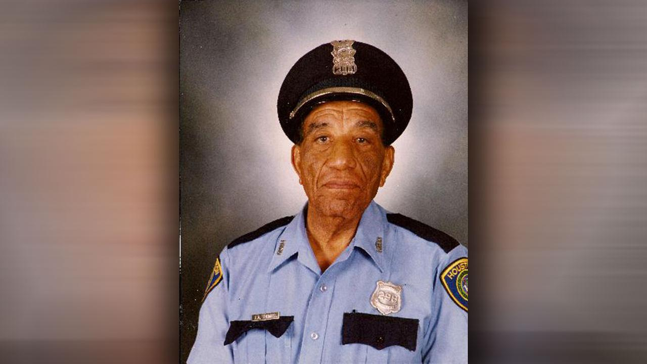 One of HPD's first African-American officers passes away