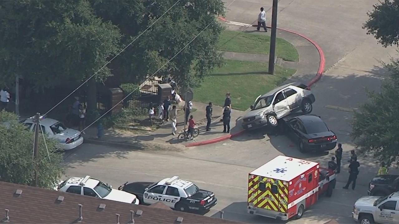 Police chase ends in crash near TSU campus
