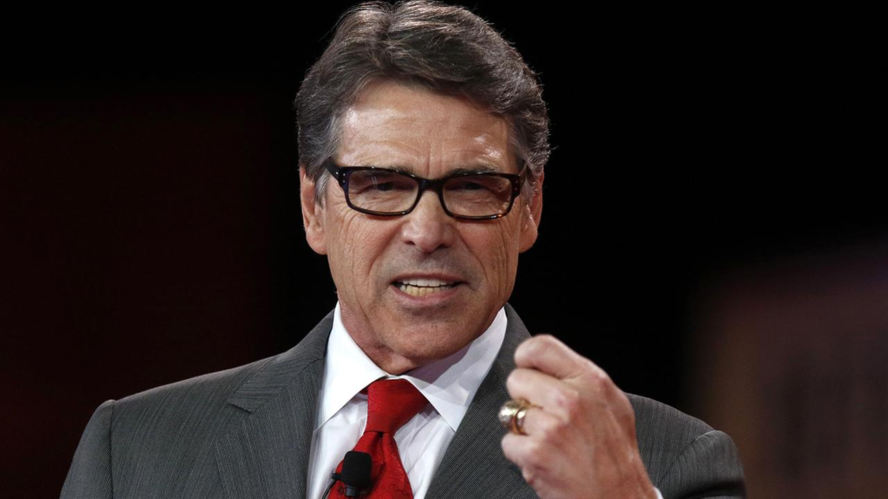 Former Texas Governor Rick Perry is dropping out of the race for the White House.