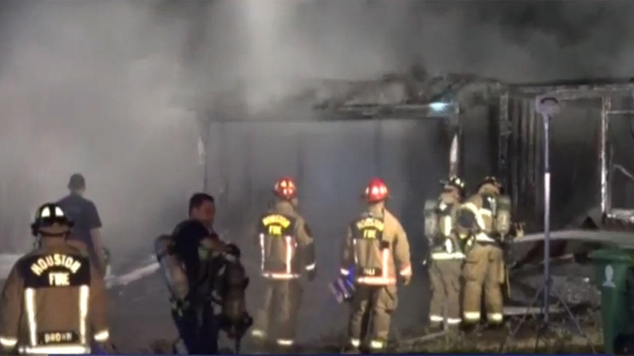 Arson detectives investigating abandoned house fire in northwest Houston