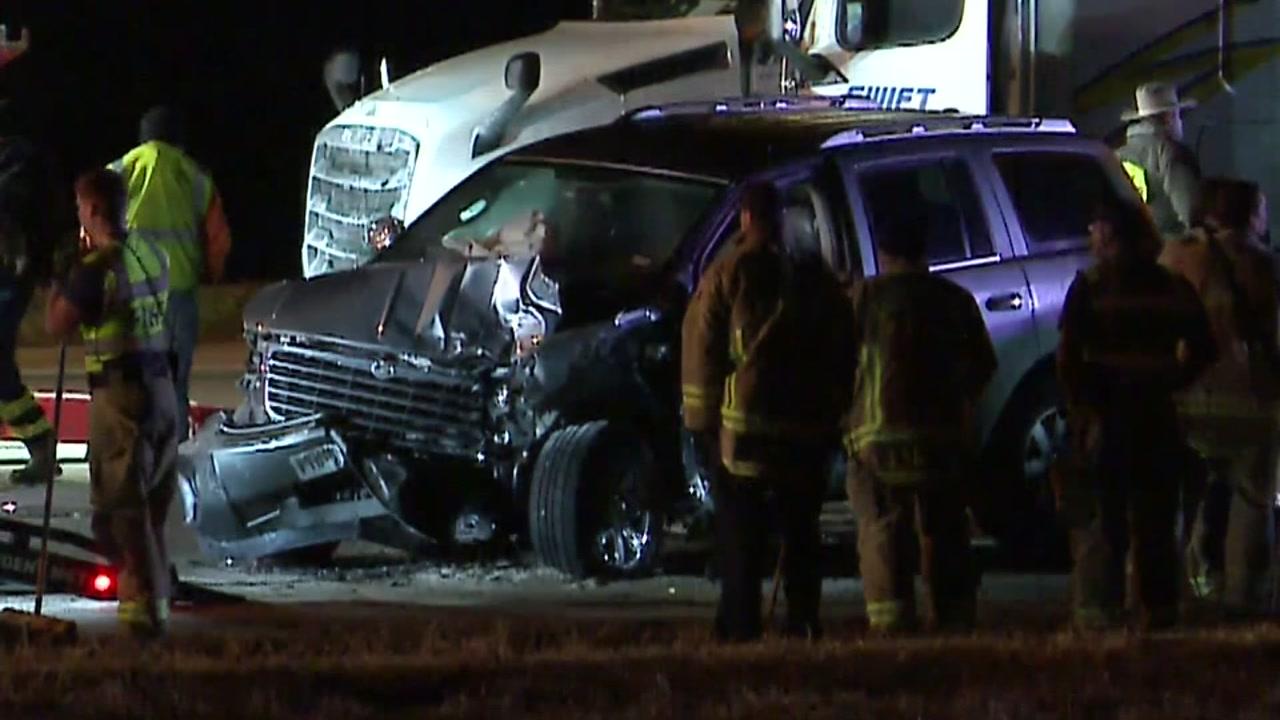 Massive pileup near Austin involves dozens of vehicles