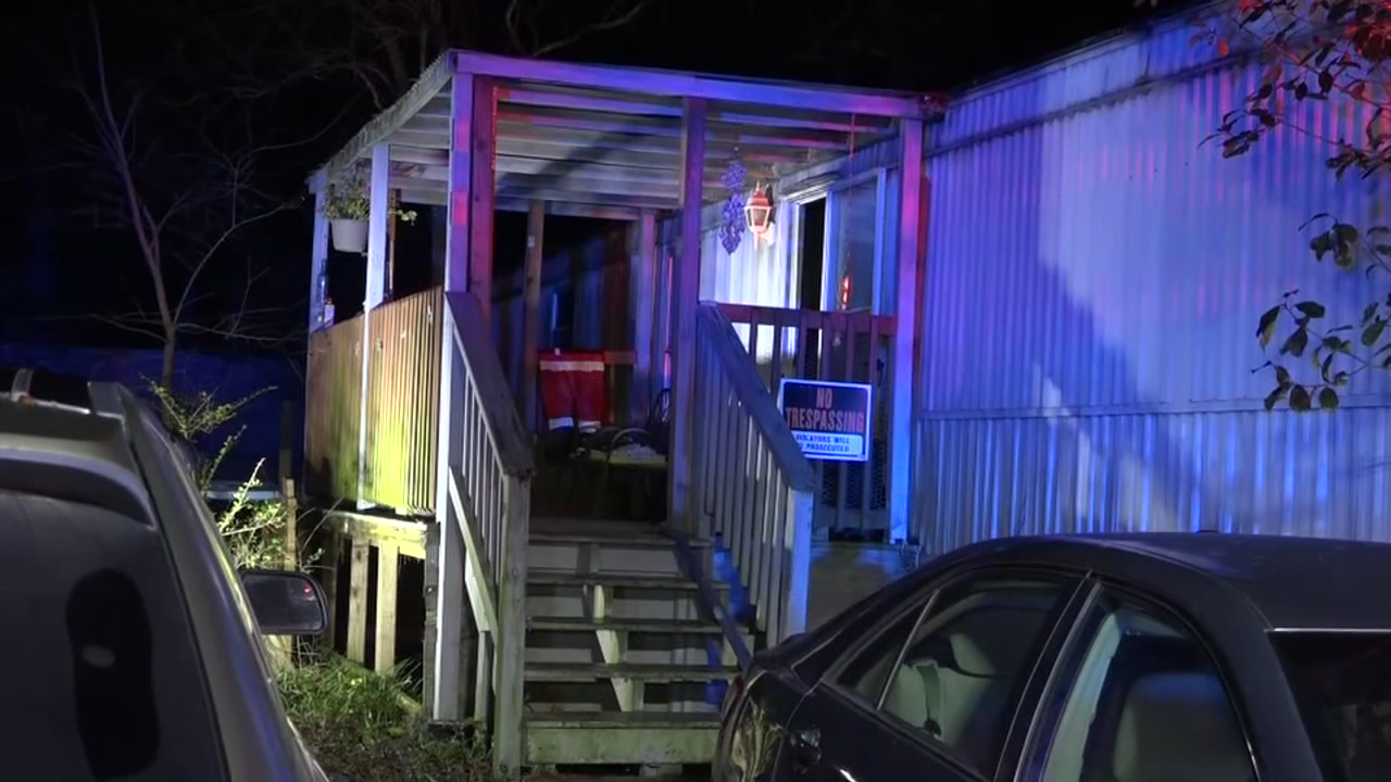 2-year-old boy receives second degree burns in mobile home fire, officials say
