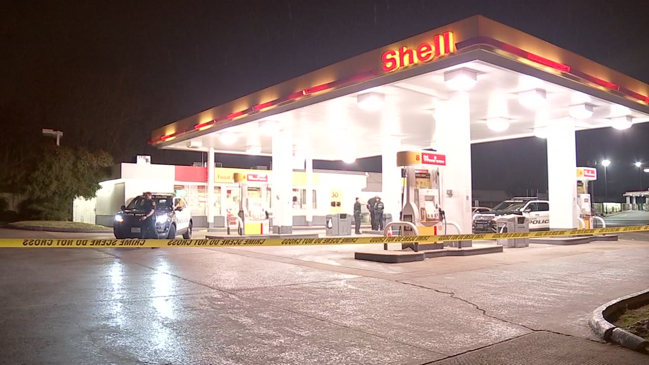 According to police, the shooting happened just after 11 p.m. Tuesday at the gas station on the North Freeway and West Mount Houston.