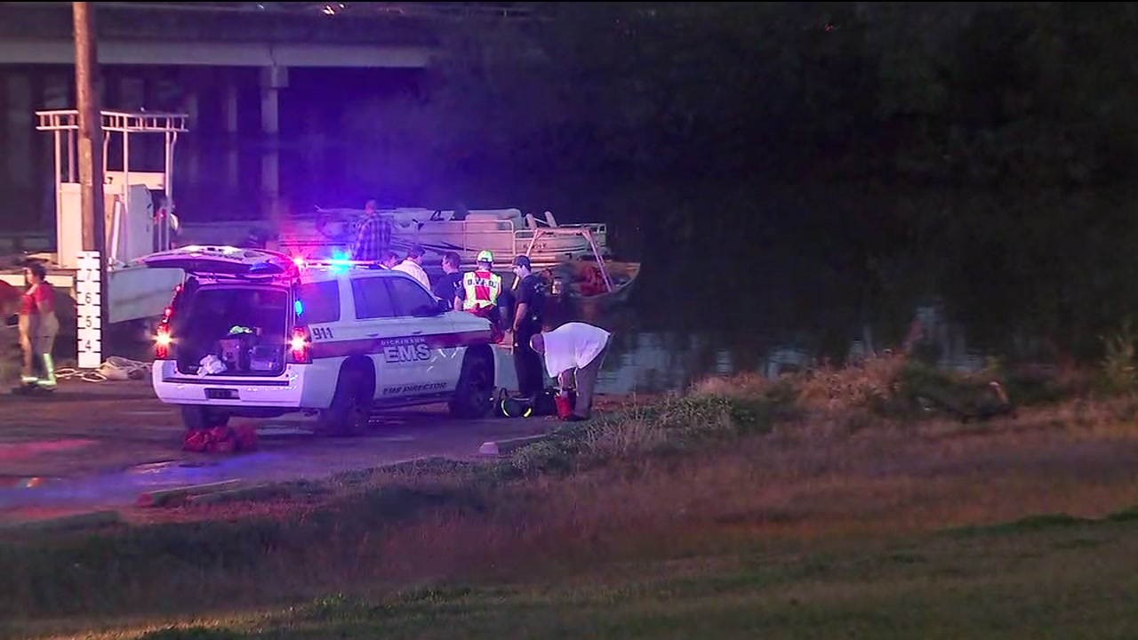 Emergency crews search for car that drove into Dickinson bayou