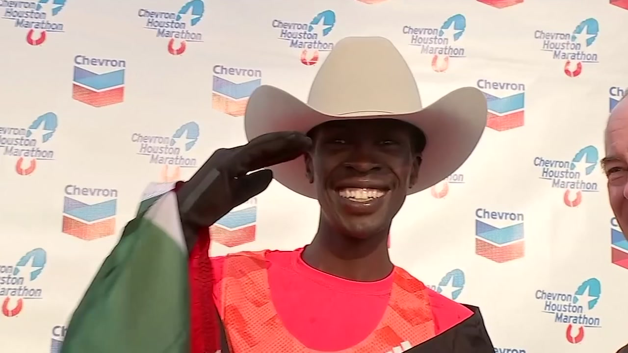 Albert Korir wins the Chevron Houston Marathon
