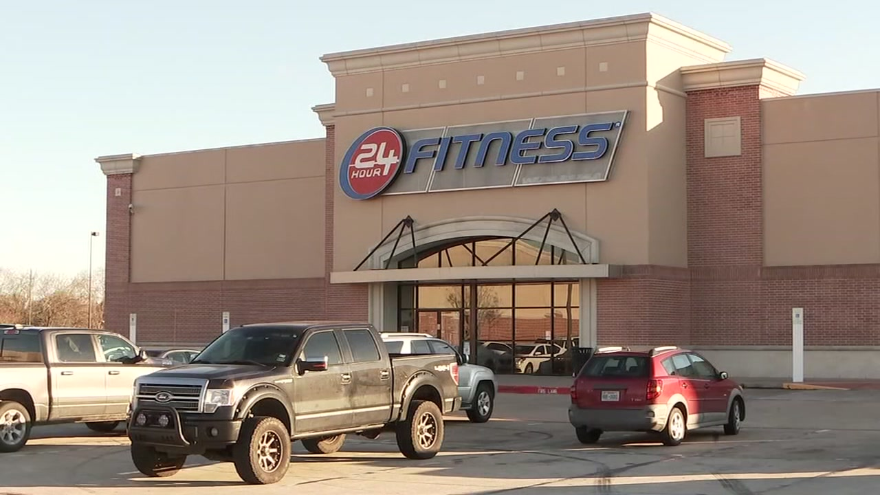 On Friday night, Jonathan Santos was unexpectedly locked in a 24 Hour Fitness.