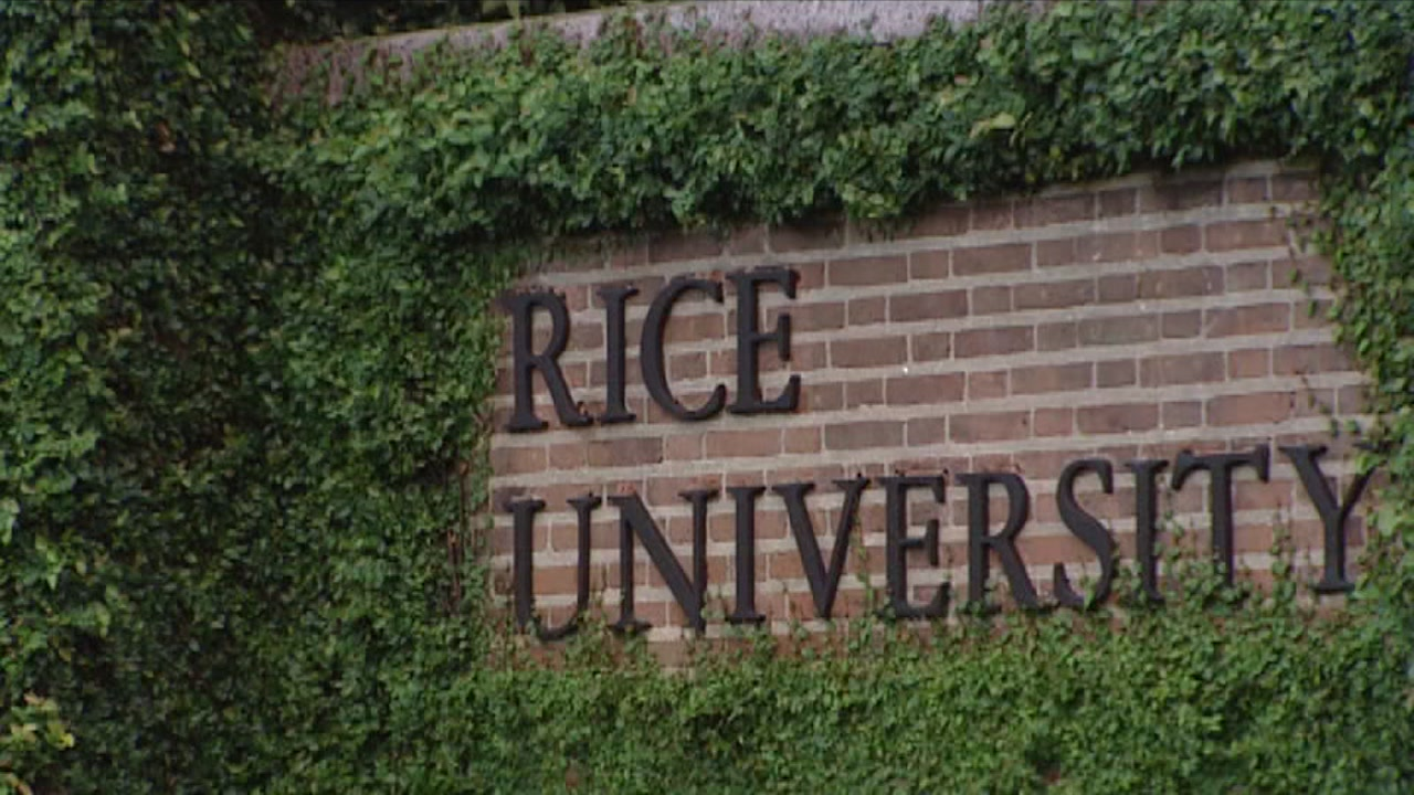 Record-breaking number of students apply at Rice University