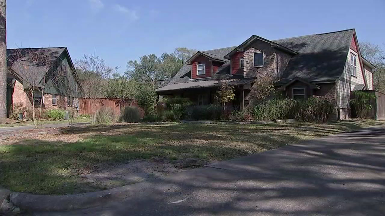 Neighbors are on the look out after a mother was robbed in her own drive way.