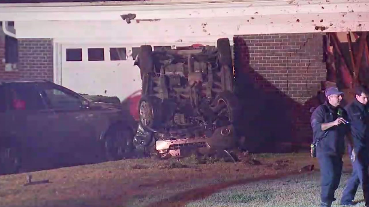 SUV crashes into SE Houston home, fatal
