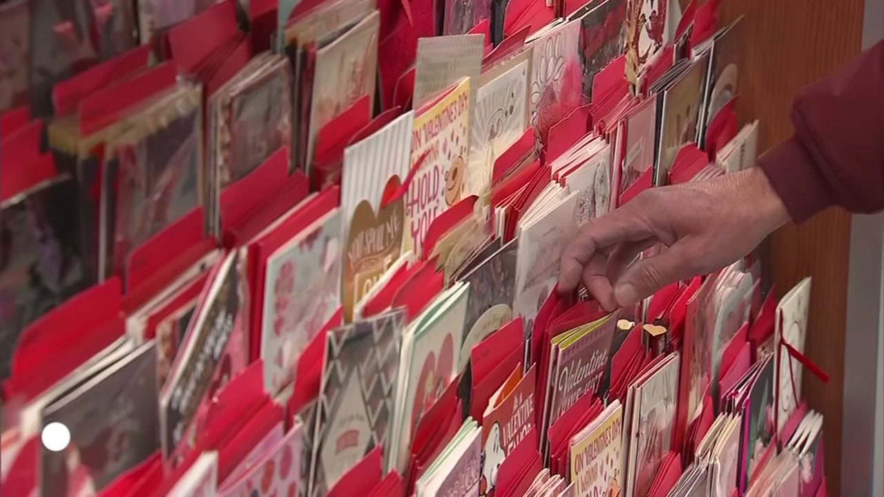 A new survey found the sexes have very different expectations of how much money should be spent on Valentines Day.