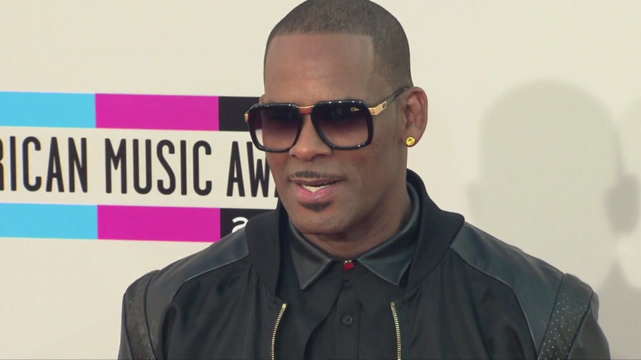R. Kelly plans overseas tour amid sexual abuse allegations