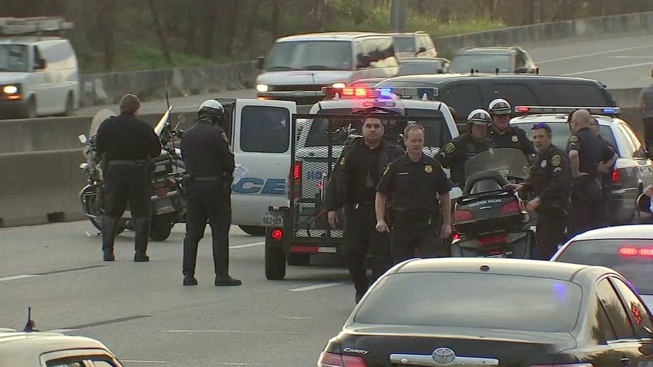 HPD motorcycle officer injured in crash