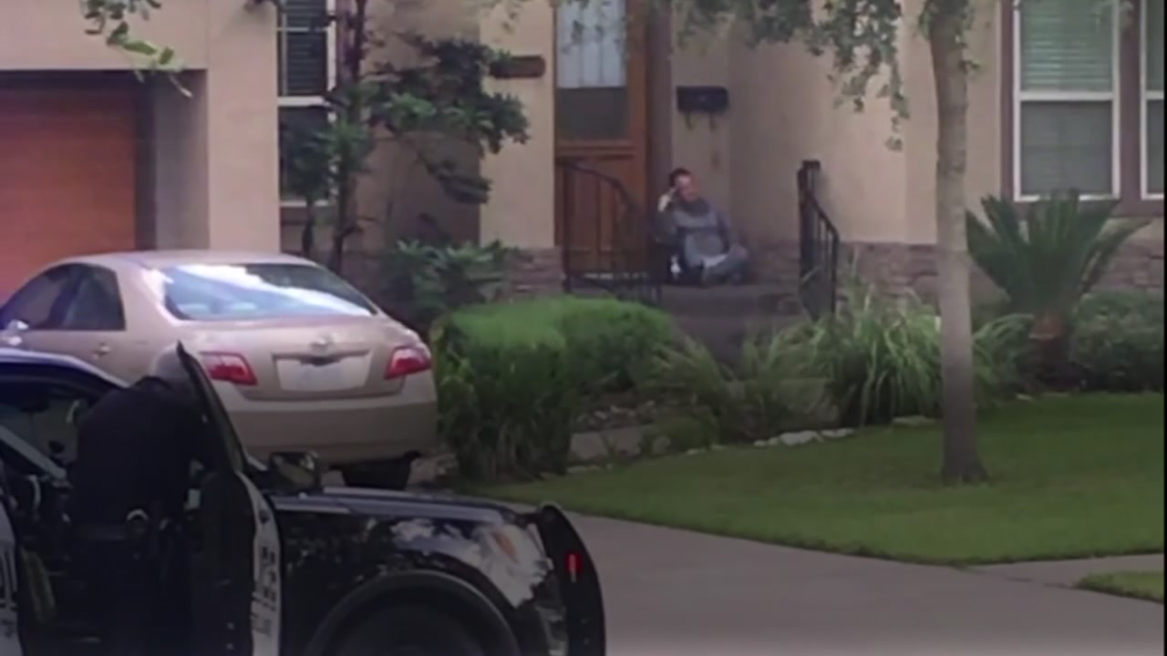 Suspect in custody after SWAT stand-off in SW Houston
