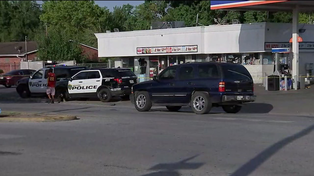 1 shot after drive-by shooting at SE Houston gas station
