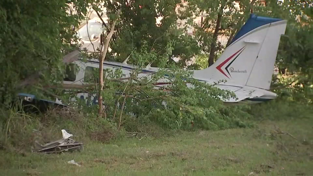 Small plane crashed after hitting roof of La Porte building