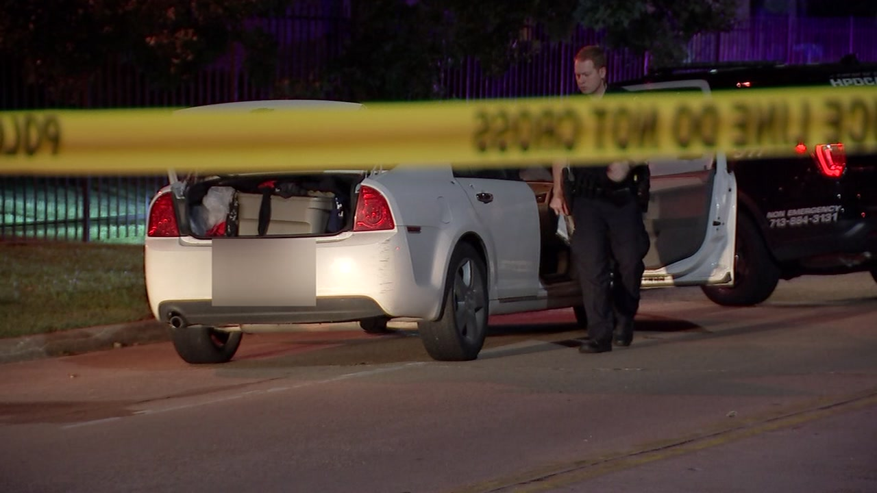 2 teens arrested after police say they opened fire on off duty officer