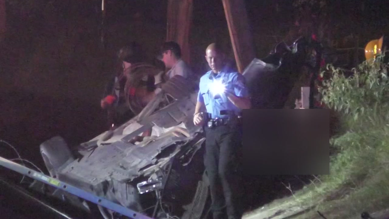 Driver dies after flipping car in ditch in Texas City