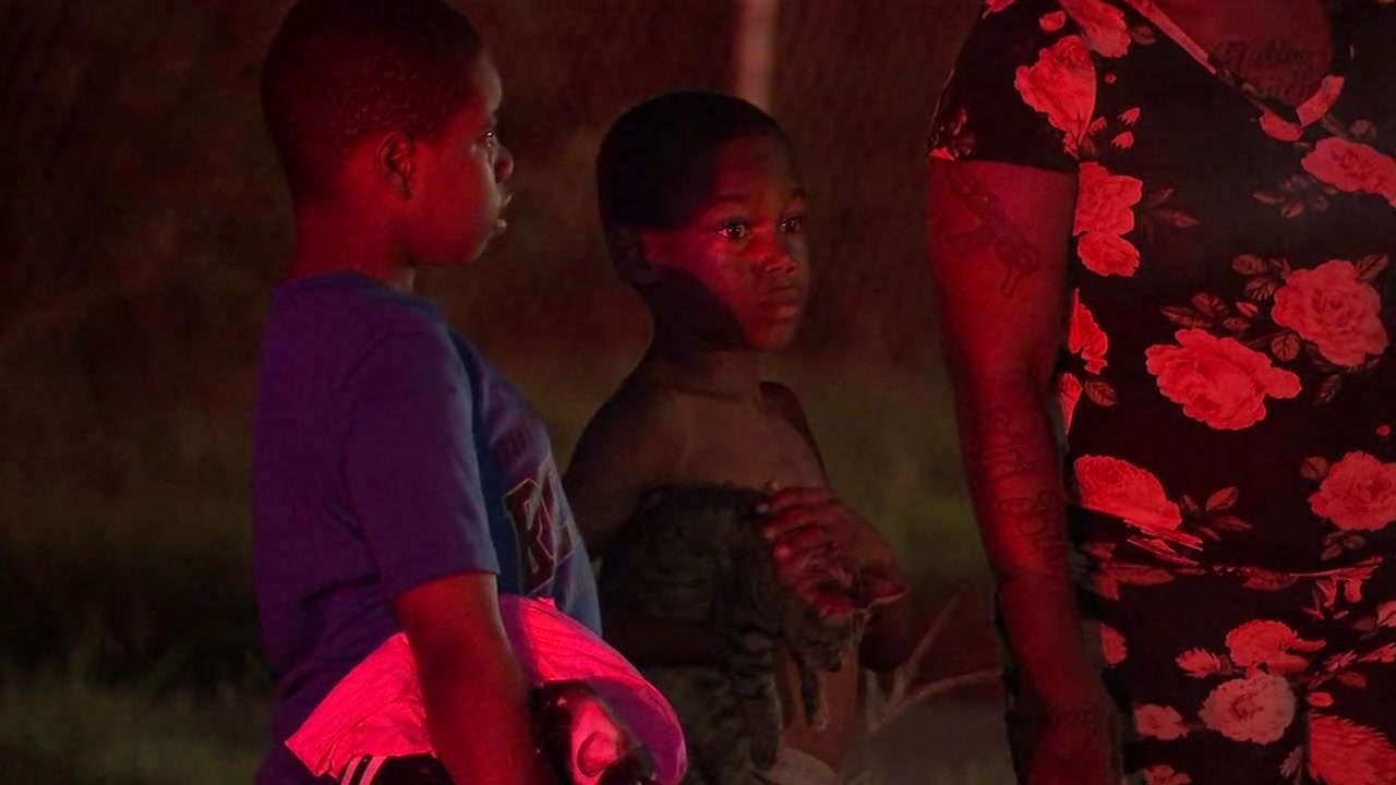 Grandmother and grandkids rescued from burning home