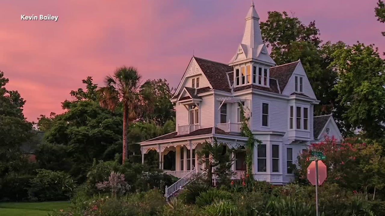 Historic Heights mansion up for sale