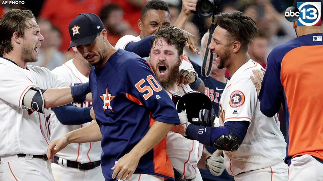 WALK-OFF WHITE: Astros beat As with 9th inning blast