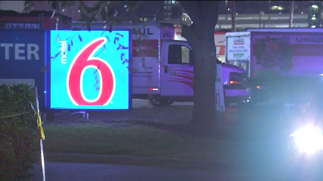 Harris County Pct. 1 deputy constable shot at working extra job at Motel 6