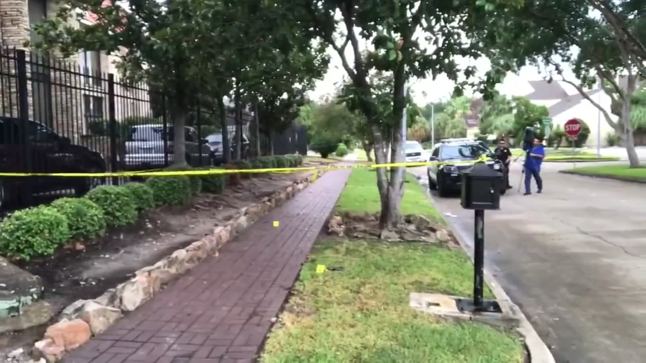 Man found dead in driveway after being shot in back in southwest Houston