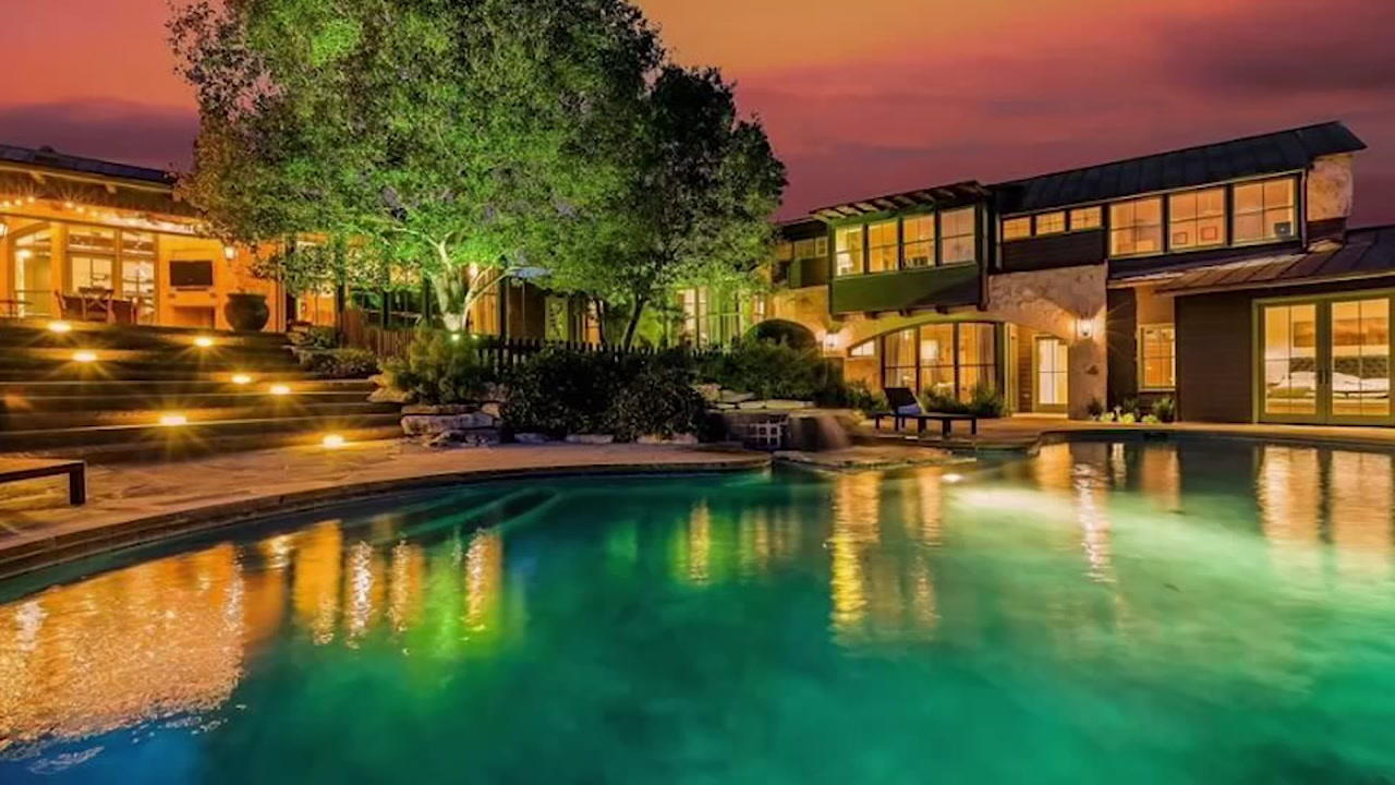 Andy Roddick and Brooklyn Decker selling their amazing Austin home