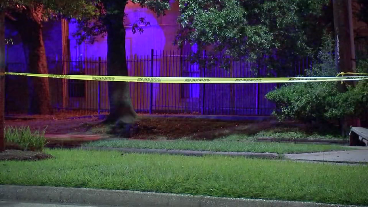 Police investigating woman found dying on SW Houston street