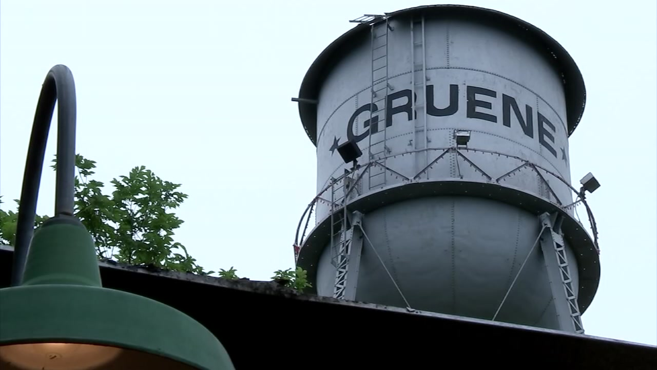 Steven and Pooja found out quickly that the Gruene areas charm is impossible to miss.
