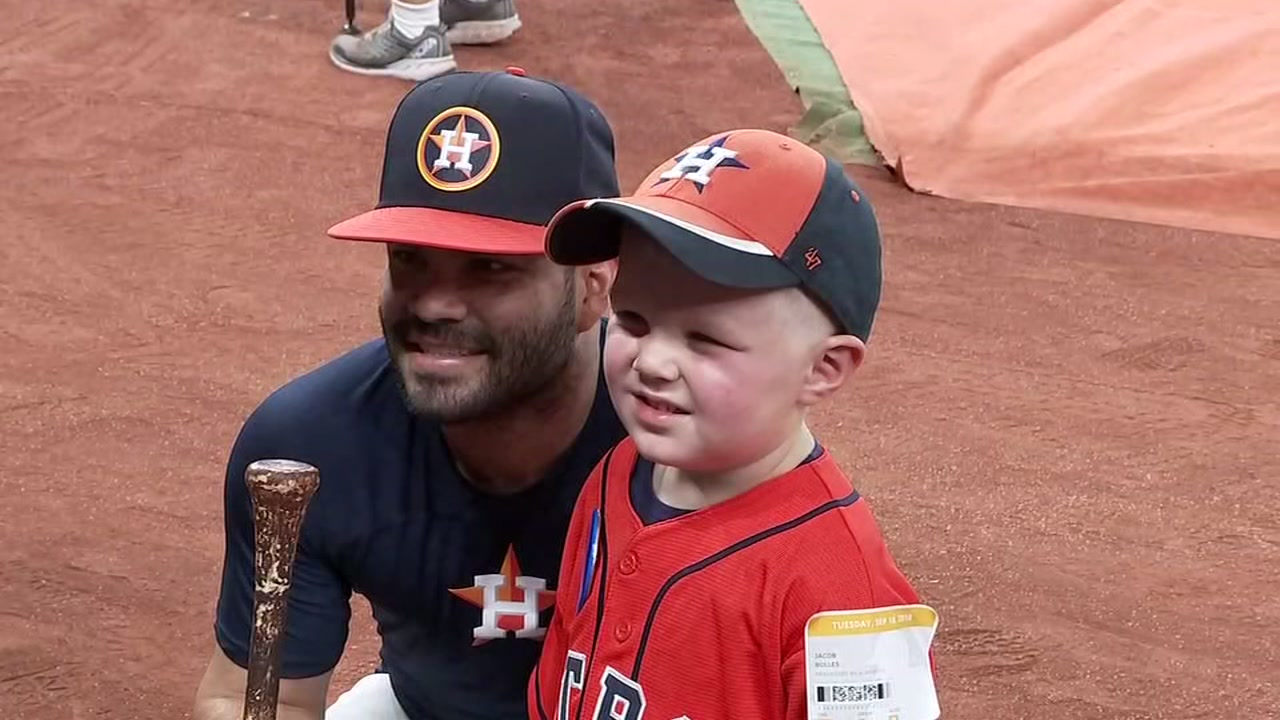 Make-A-Wish kid gets close to his favorite Astros