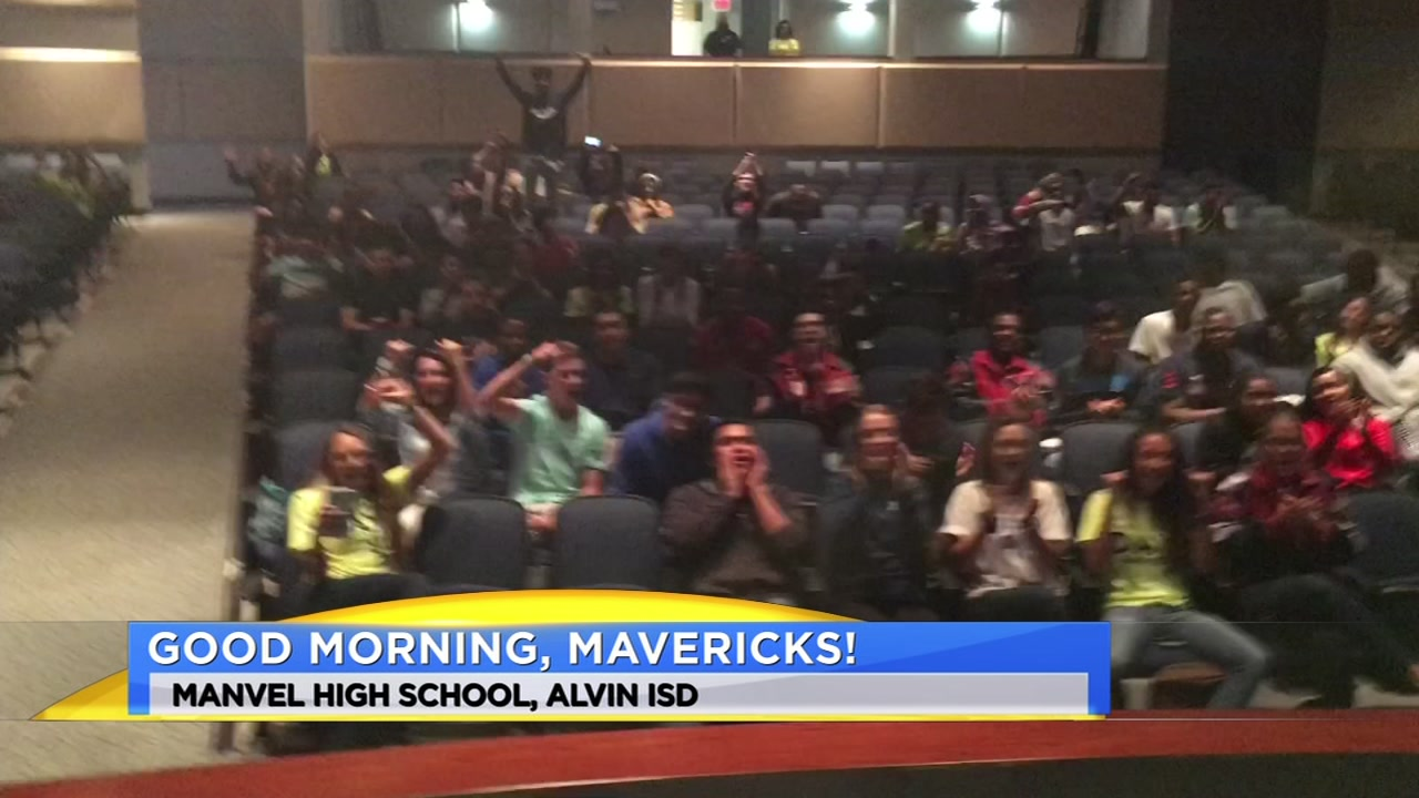 Meteorologist Travis Herzog visits the Manvel Mavericks of Alvin ISD