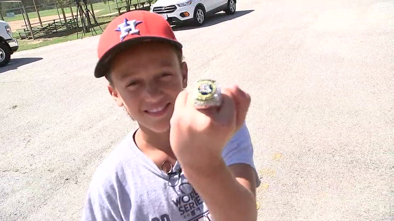 Family meets man who gave replica ring to girl who lost hers