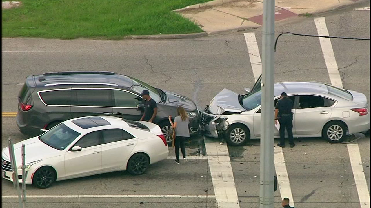 Chase suspect slams into car near Clear Lake