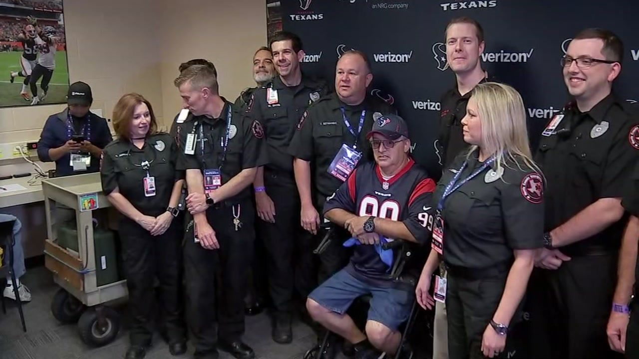 Texans fan grateful to paramedics who saved his life at NRG Stadium