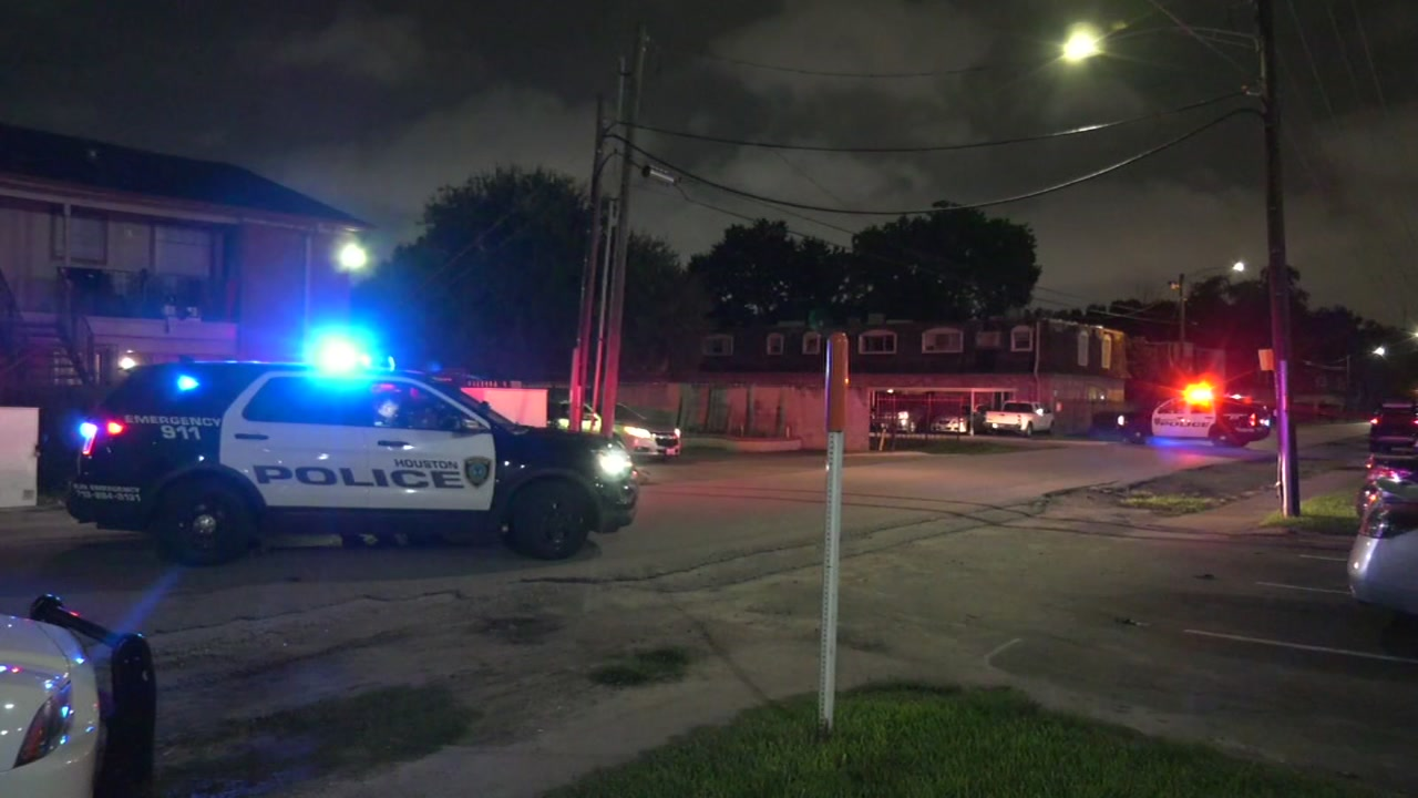 2 men hospitalized after drive-by shooting in SW Houston