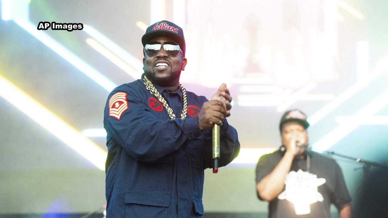 Big Boi will perform at halftime during the Texans - Cowboys game.