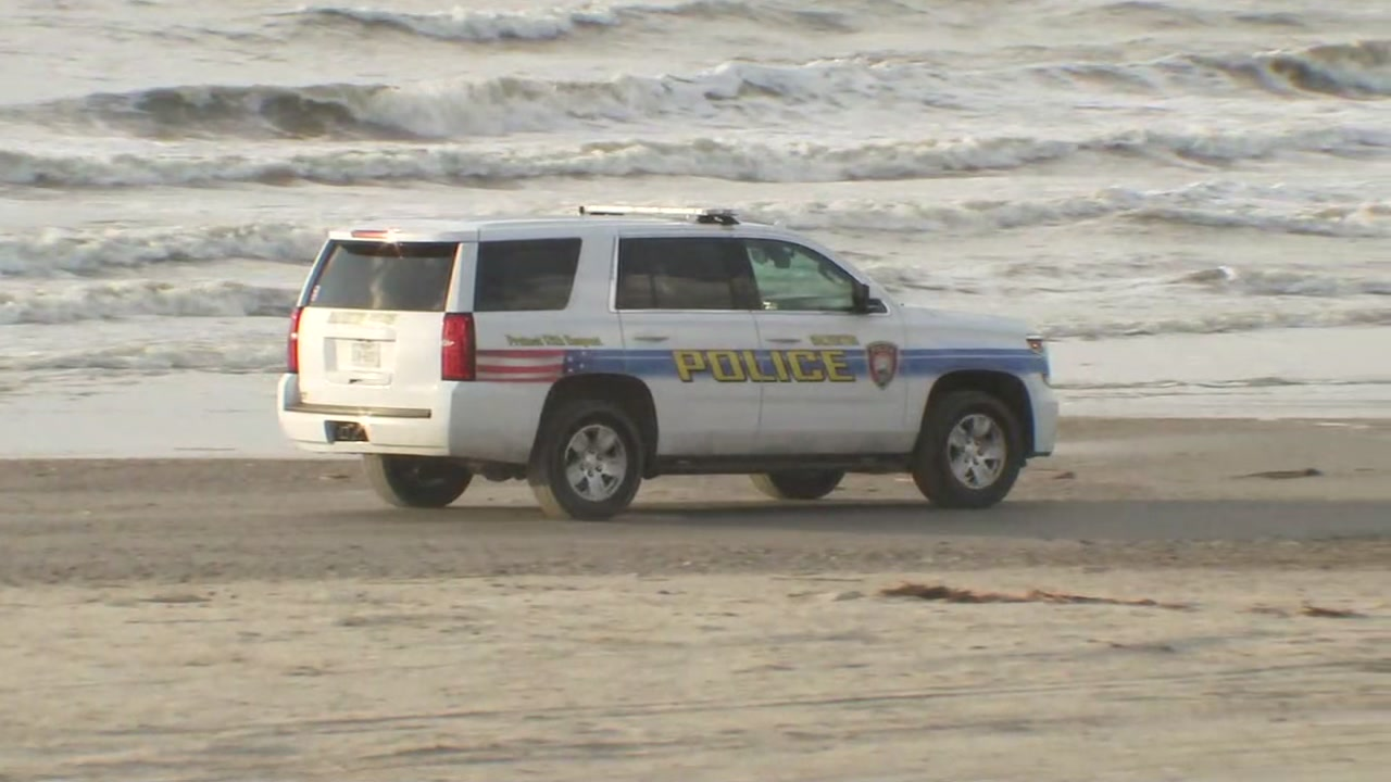 2 boys with youth group vanish off Galveston