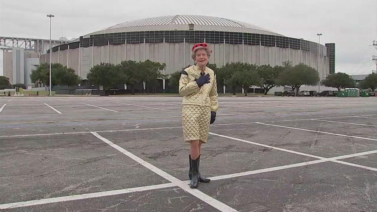 ABC13s Pooja Lodhia meets with one of the original Astros cheerleaders from the Astrodome-era of the team.