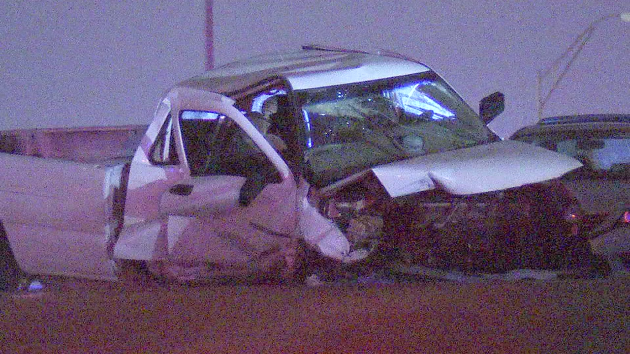 2 dead after wrong-way driver causes head on crash
