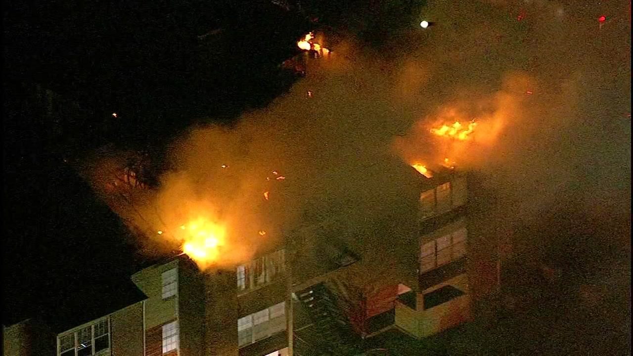 Massive apartment fire in NW Houston