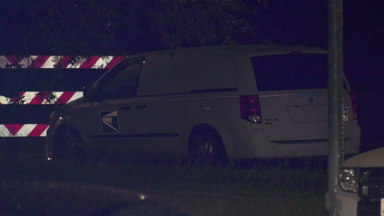 Mail van carjacked and ditched in SW Houston