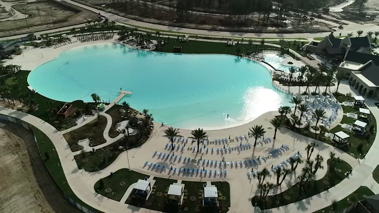 The first man-made crystal lagoon in Texas officially open