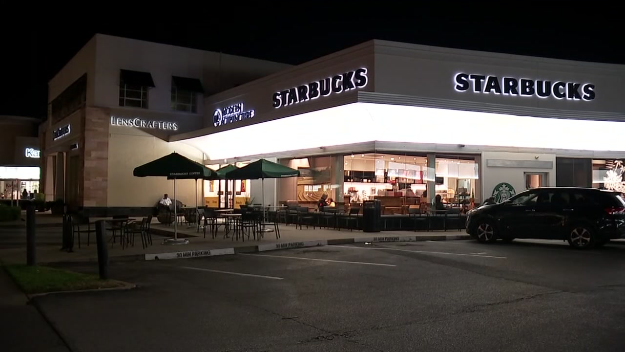 Man snatches womans purse at Starbucks and flees scene in U-Haul