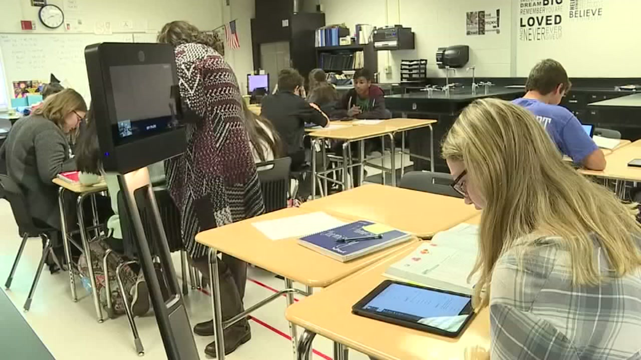 Cancer patient in Kansas uses to robot to help out with school