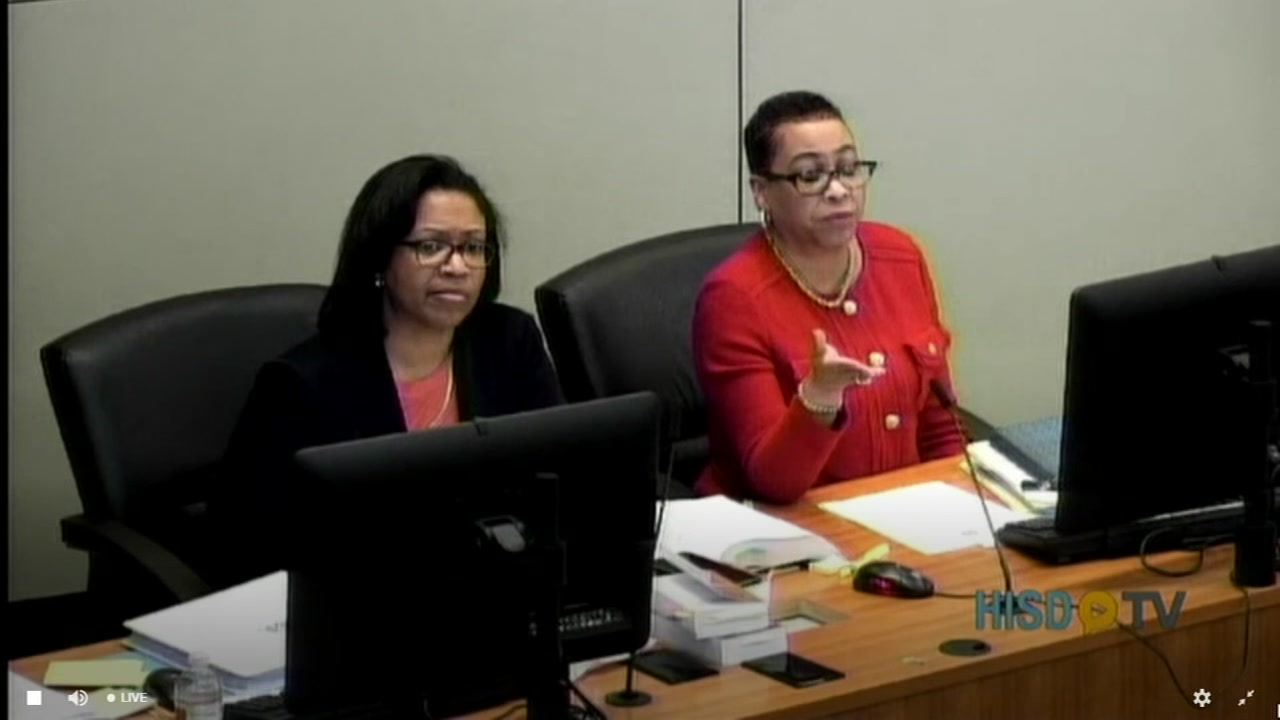 HISD hold board meeting