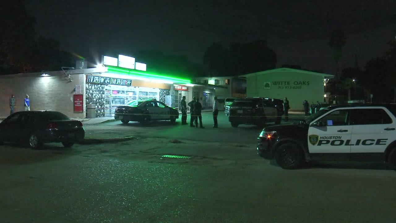 Convenience store clerk killed in Spring Branch area, police say