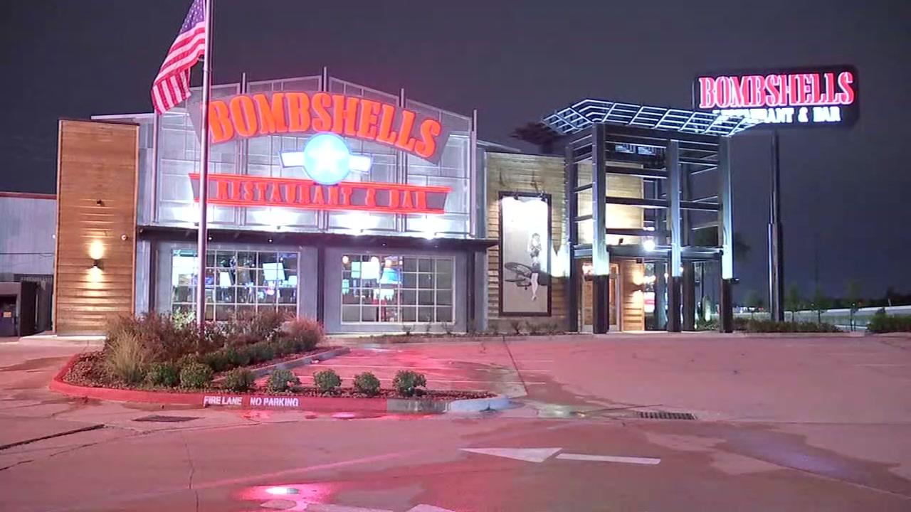 Man shot in parking lot of Bombshells restaurant, authorities say