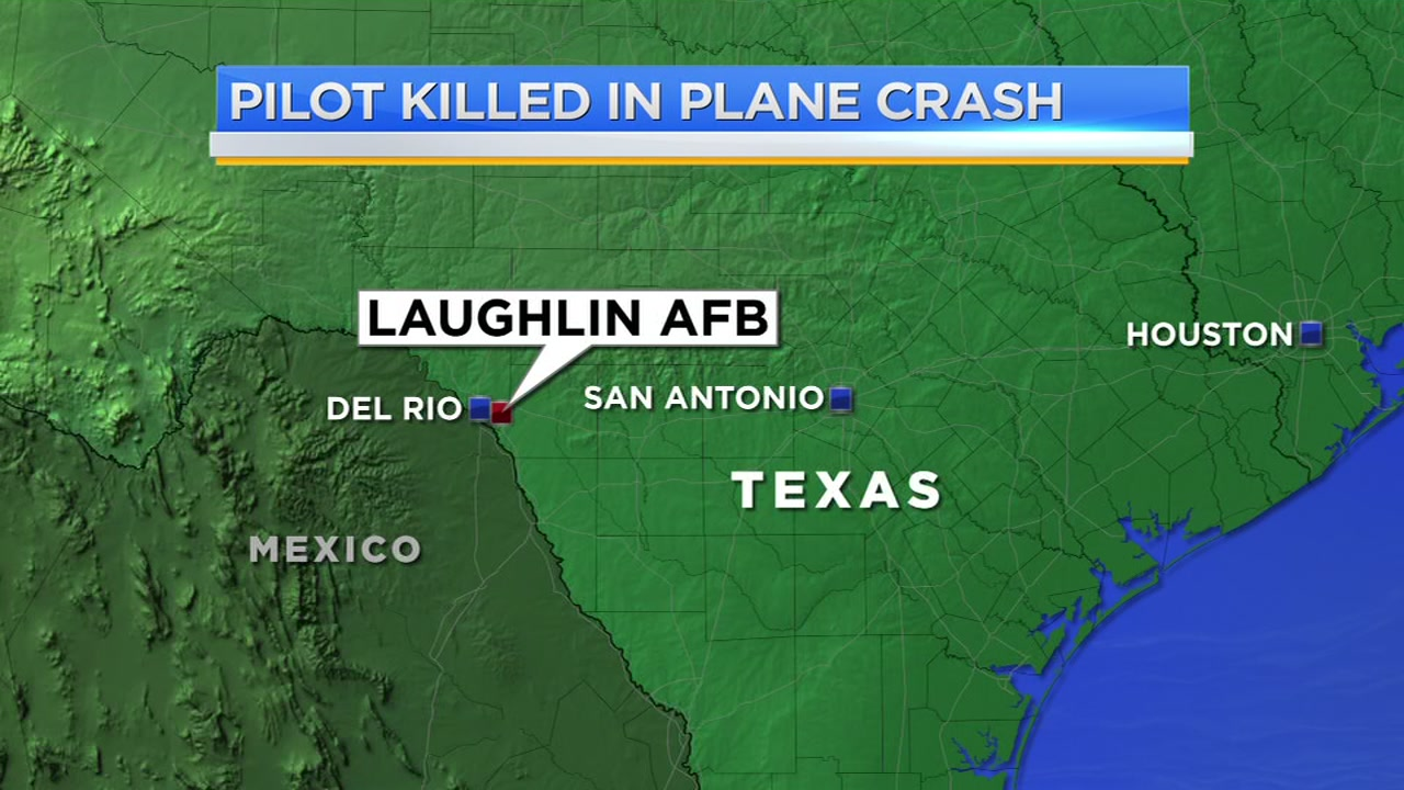 Pilot killed in crash out of Laughlin AFB