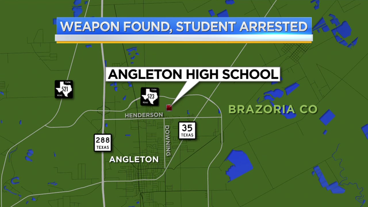 Angelton student arrested after officers found weapon in vehicle on campus
