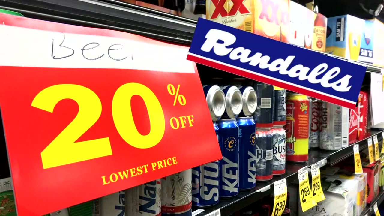 STOCK UP FOR THE HOLIDAYS: The closure of three Houston-area Randalls stores can mean big savings on food, beer and wine.